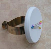 Bohin 75598 Magnetic  Pincushion Bracelet
