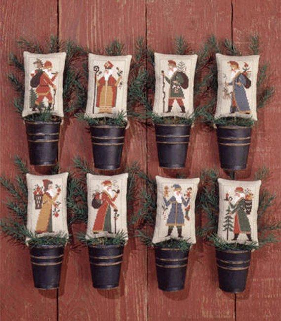 Prairie Schooler Old World Santas